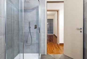 Corner Entry Showerscreen
